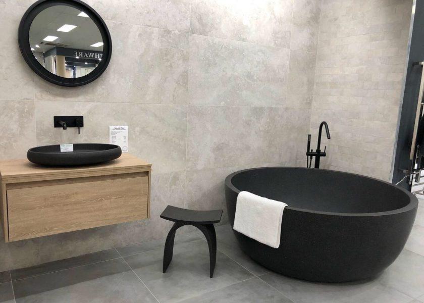 Pietra Bianca Romeo Round Freestanding Bathtub 1500 x 1600mm Product Image 1