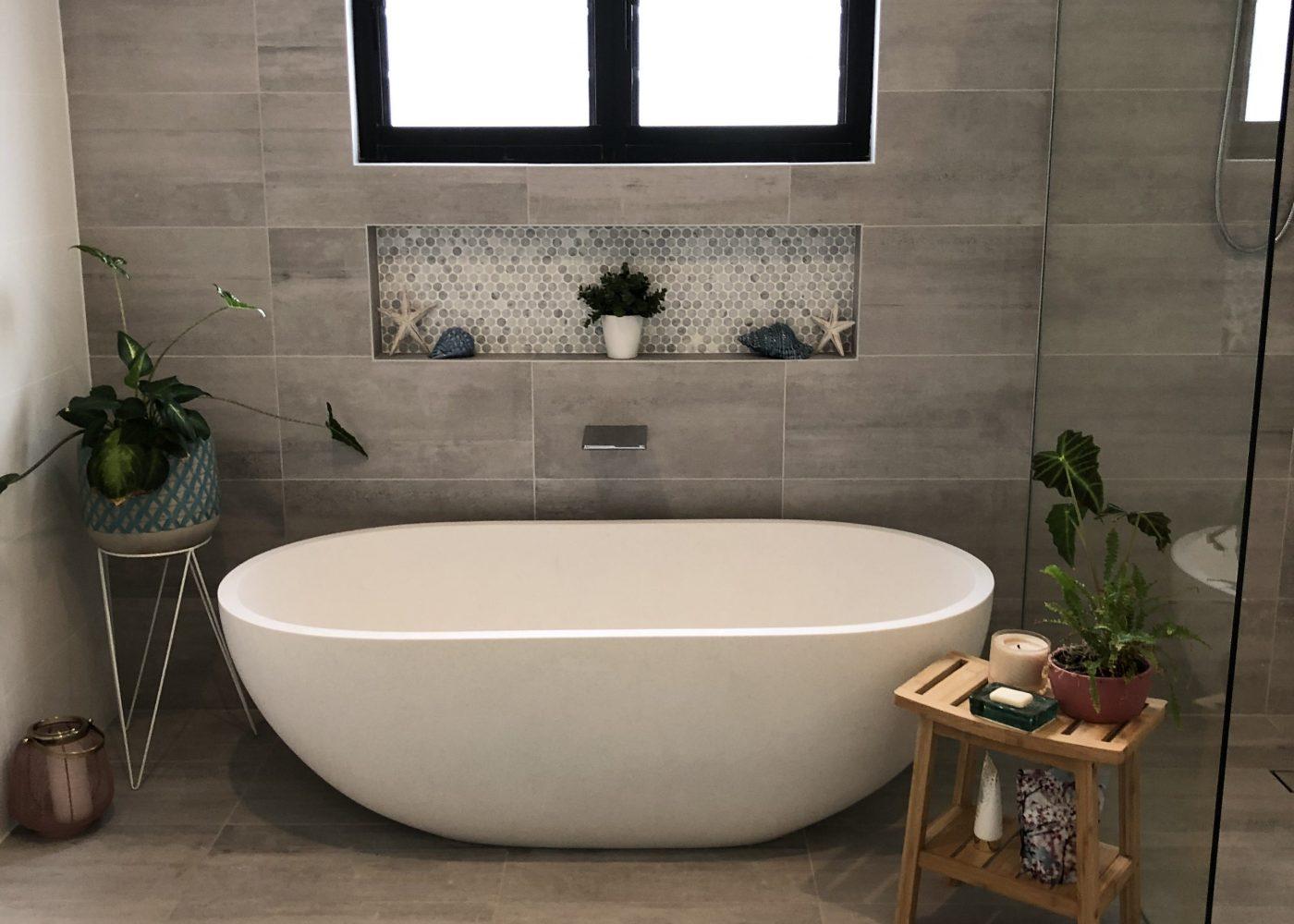 Pietra Bianca Bella Freestanding Bathtub
